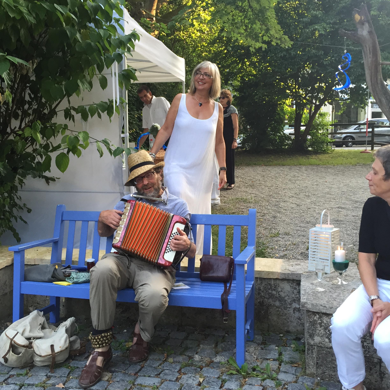 Brunnenfest am Wilhelm Leibl Platz