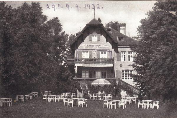 48 Bereit für die Gäste im Kaffe Forster (1932)