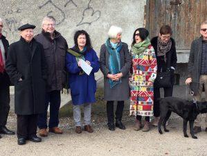 """Schondorfer Kreis bei der Begehung für den Architekturpreis """"Gelungen"""""""